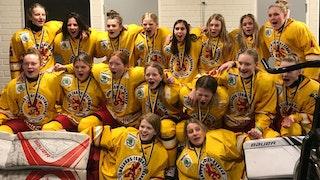 Alice Jiborn, näst längst till vänster på övre raden, vann brons i Stålbucklan!