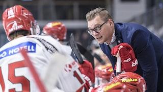 Björn Hellkvist i borta-båset mot AIK