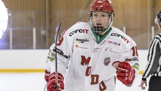 Lore Baudrit kommer att representera MODO Hockey även nästa säsong.